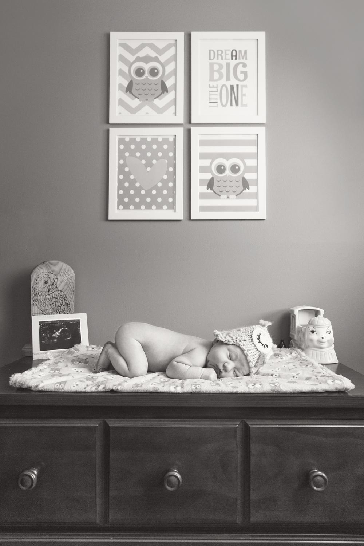newborn_014_bw.jpg