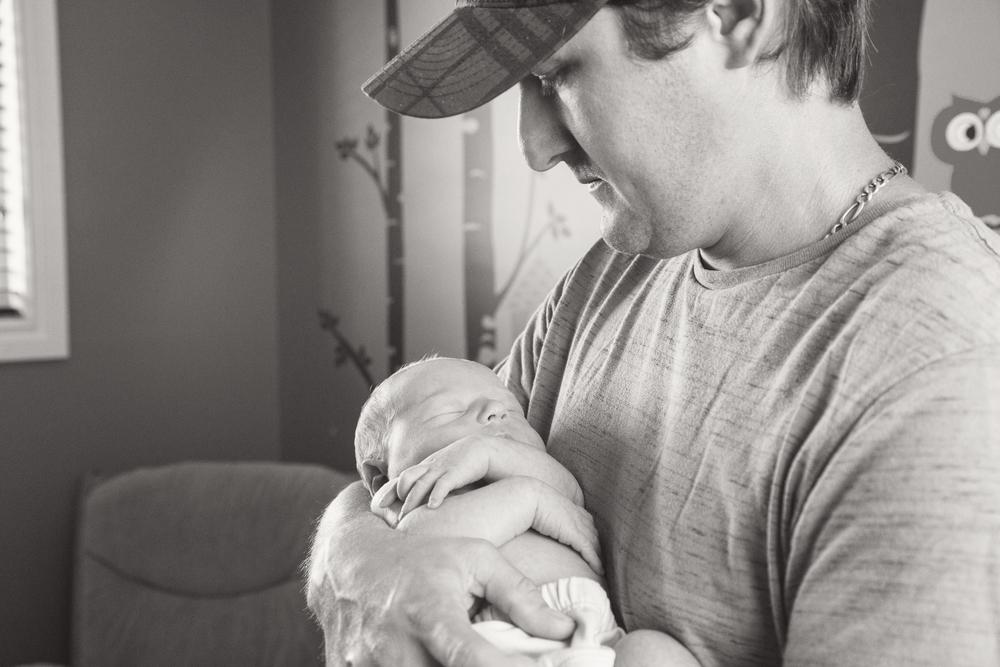 newborn_032_bw.jpg