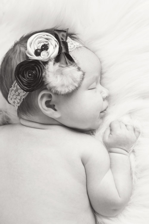Newborn_003_bw.jpg