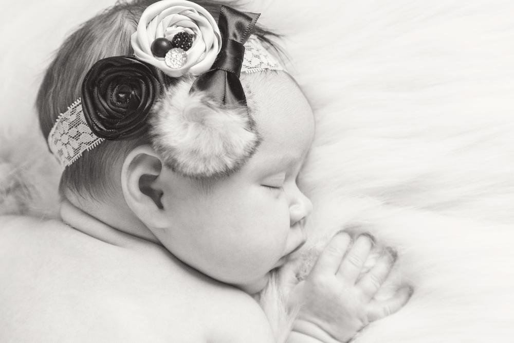 Newborn_005_bw.jpg