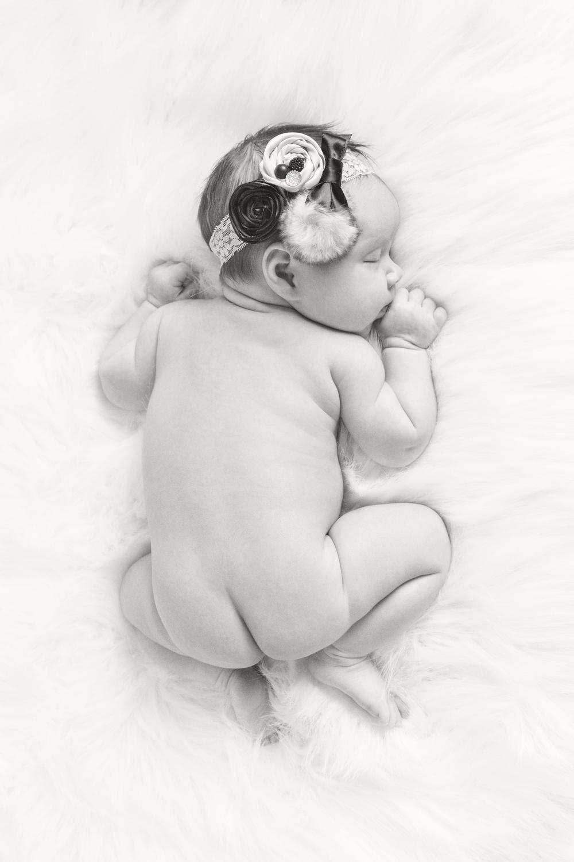 Newborn_006_bw.jpg