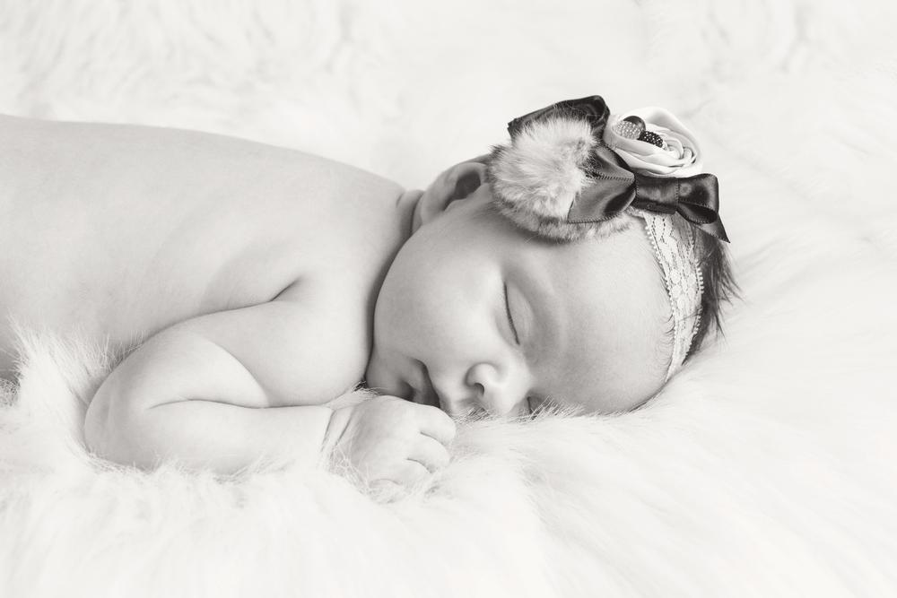 Newborn_007_bw.jpg