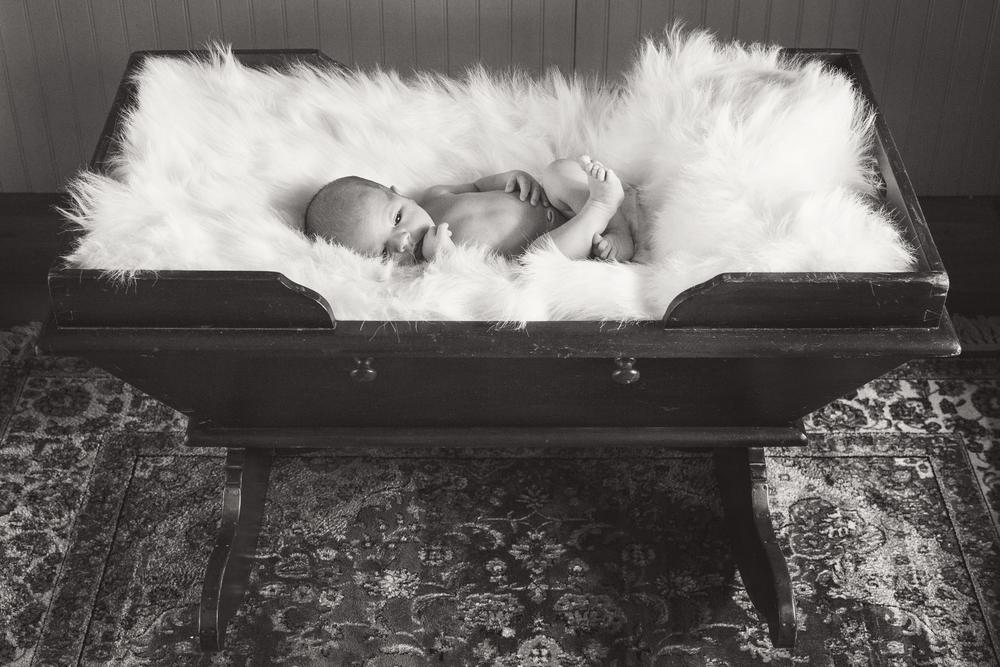 Sawyer_newborn_003_bw.jpg