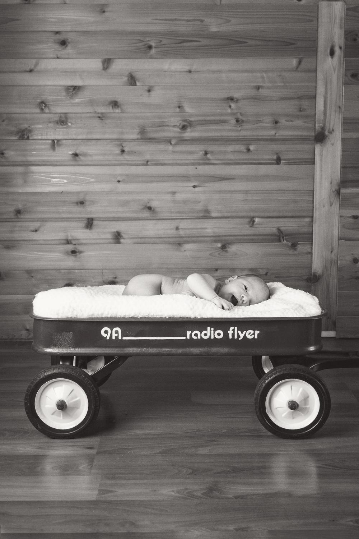Sawyer_newborn_015_bw.jpg