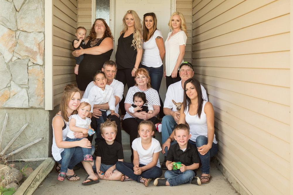 Family_Photos_2018_12.jpg