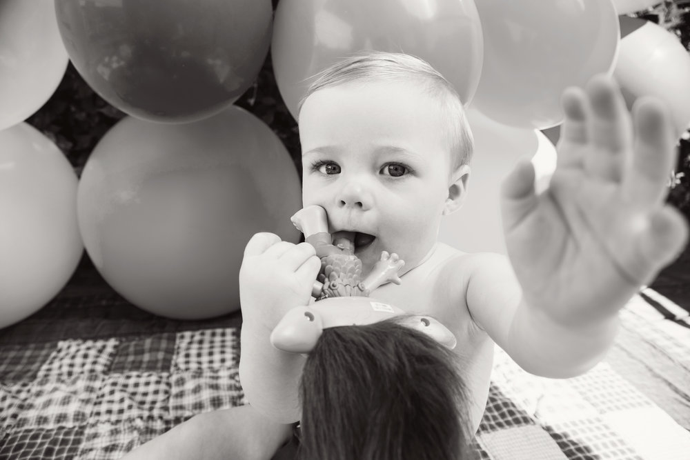Theo_1stbday_05_bw.jpg