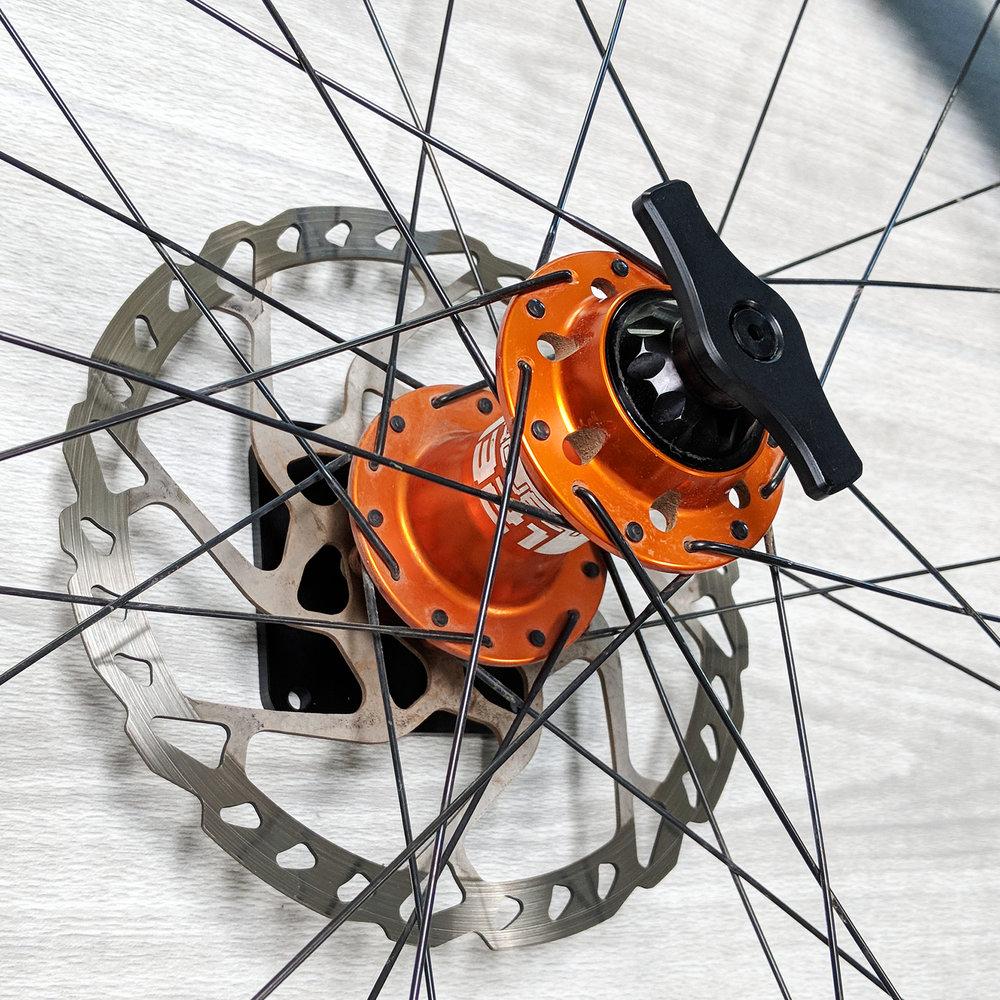 Wheel Holder v3 Mountain 1.jpg