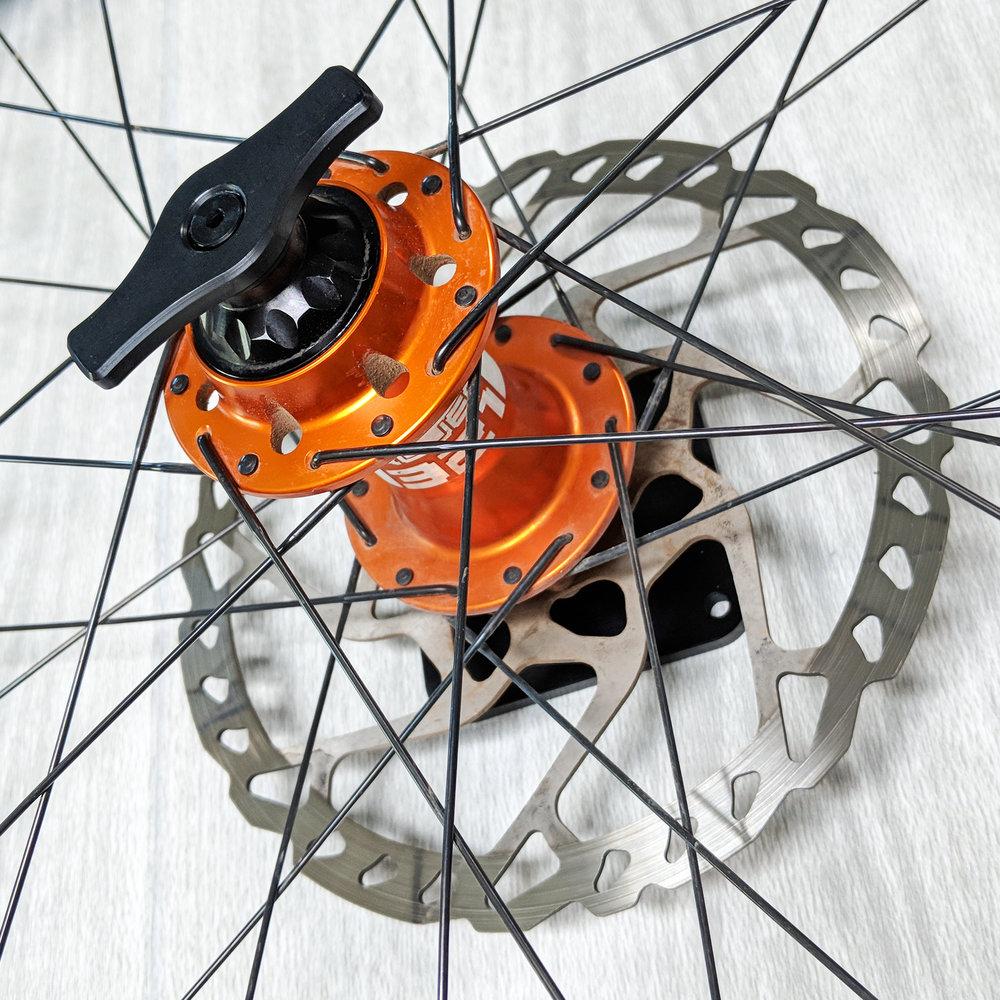 Wheel Holder v3 Mountain 2.jpg