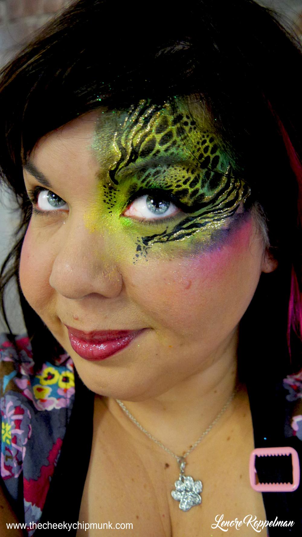 celebrity catwalk 2016 snake eye full.jpg
