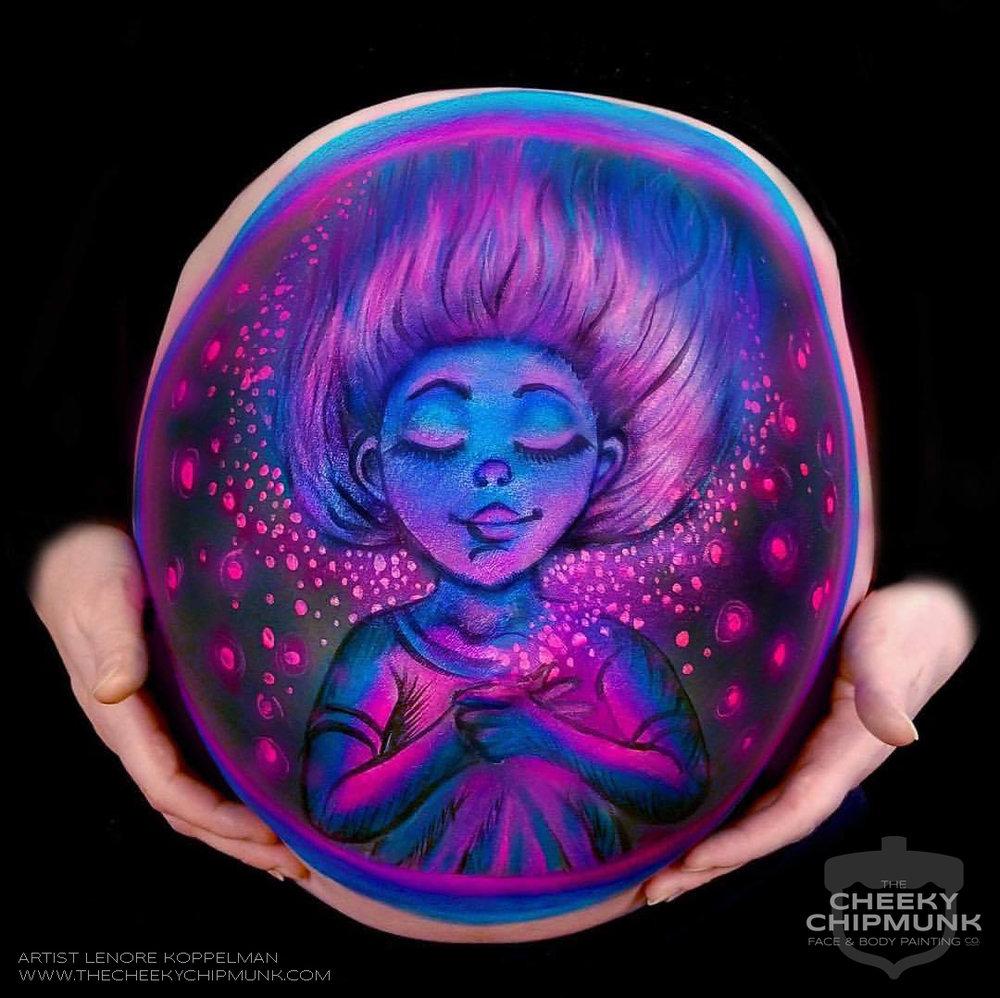 lenore-koppelman-the-cheeky-chipmunk-baby-belly-painting-bump-maternity-pregnant-pregnancy-art-body-glowing-heart-love-pink-glow-blue-purple-hair-wind-magenta-fireflies-nyc-2.jpg