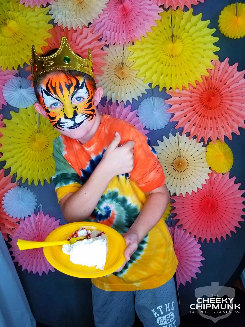 shane-tiger-birthday-cake-honeycomb-tissue-decorations-birthday-party-face-painting-lenore-koppelman-the-cheeky-chipmunk-crown-nyc.jpg