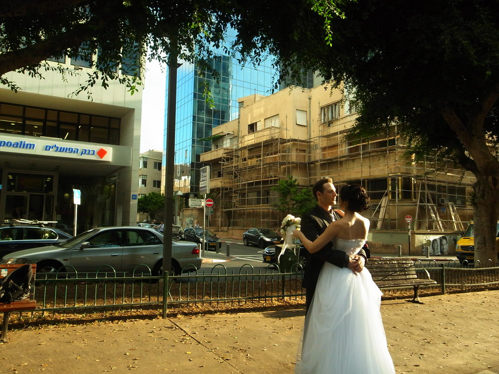 RothschildBlvdWeddingShot_TLV.JPG