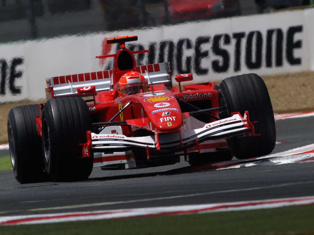 Michael-Schumacher-Ferrari-F1-2005.jpg
