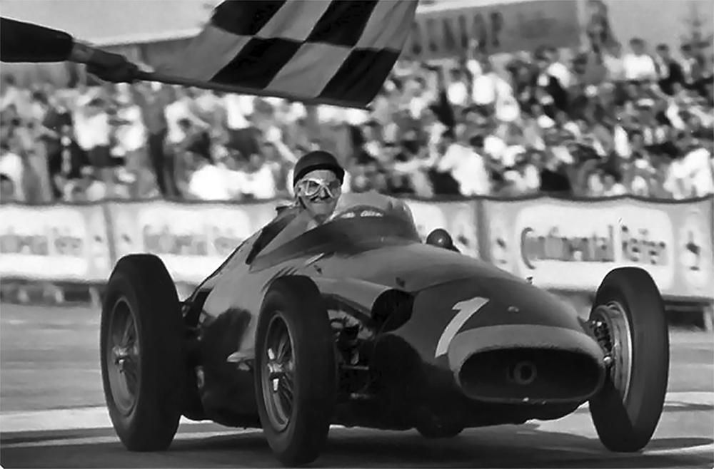 Juan Manuel Fangio ganando el Gran Premio de Alemania en 1957.