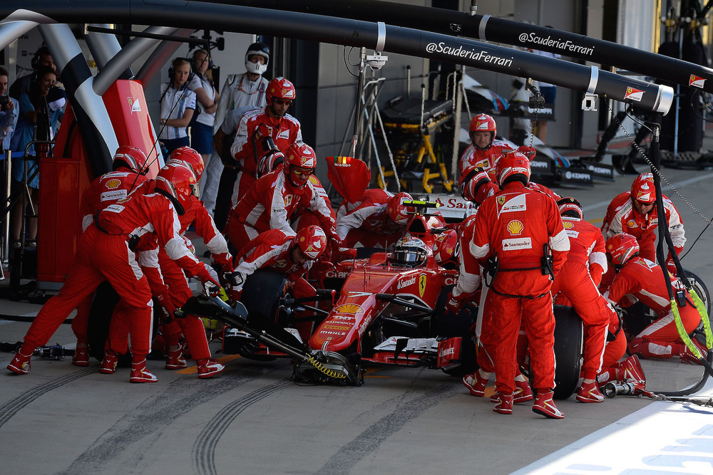 Kimi Raikkonen pitstop