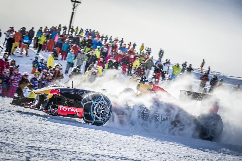 Max Verstappen snow show at Austrian Alps