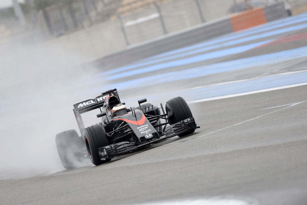 Stoffel Vandoorne during Pirelli's wet tire tests in France