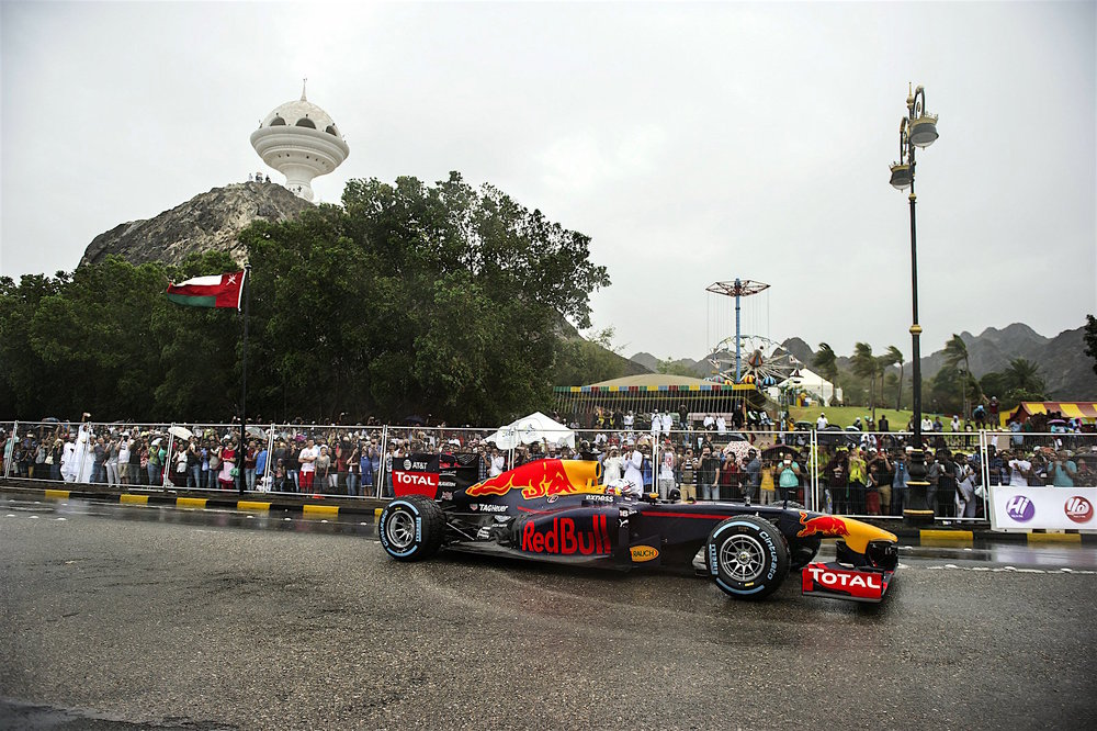 David Coulthard driving the RB7 in Oman