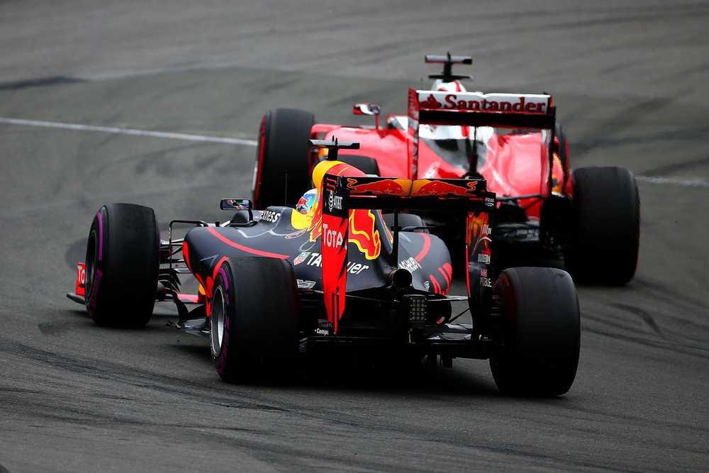 Salracing - Red Bull and Ferrari