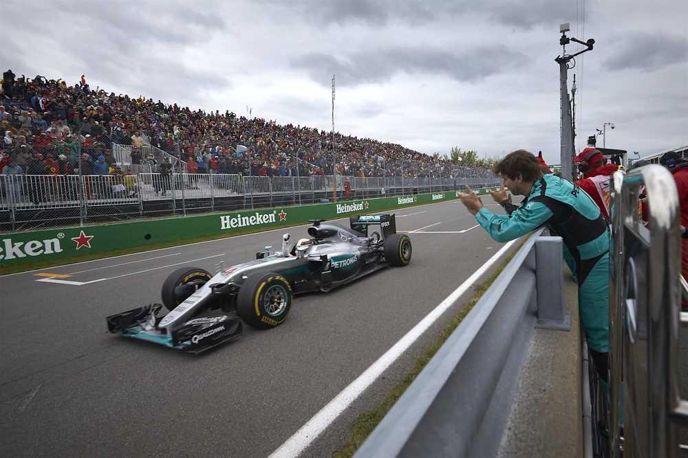 Salracing - Lewis Hamilton winning at Canada