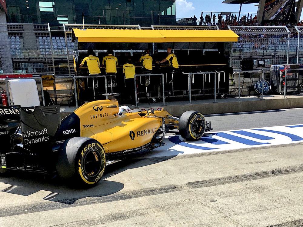 Salracing - Kevin Magnussen | Renault R.S.16