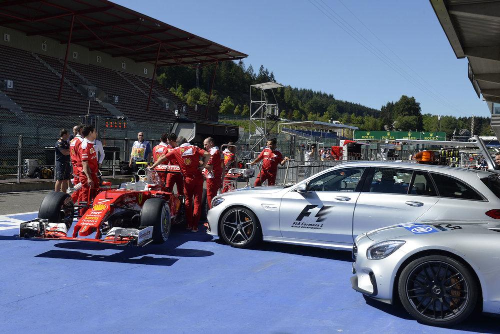 Salracing - Scuderia Ferrari ready for scrutineering