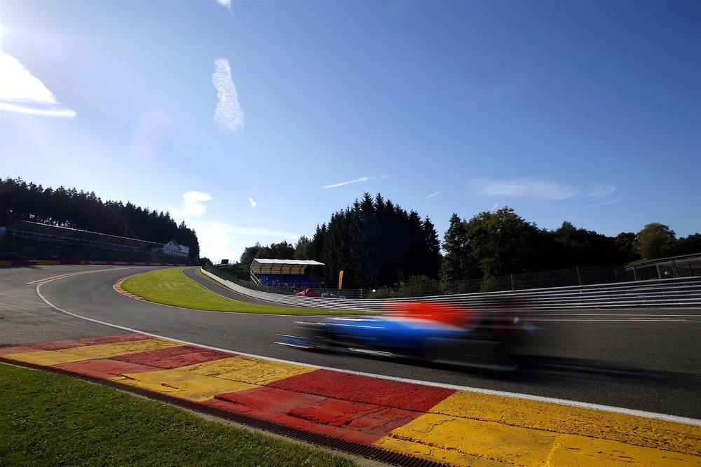 Salracing - Manor Racing MRT05