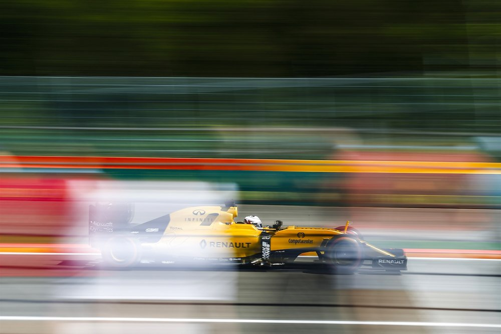 Salracing - Kevin Magnussen | Renault RS16
