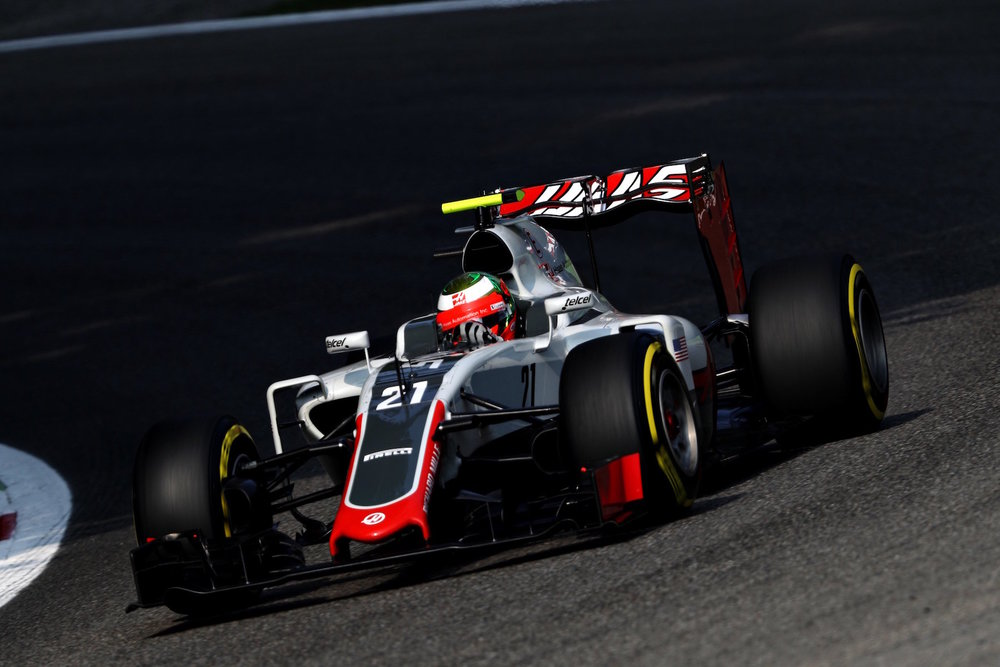 Salracing - Esteban Gutierrez | Haas F1 Team