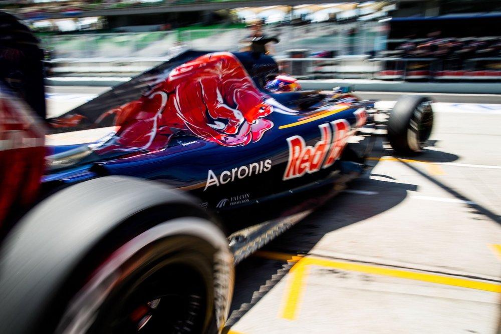 Salracing - Daniil Kvyat | Scuderia Toro Rosso