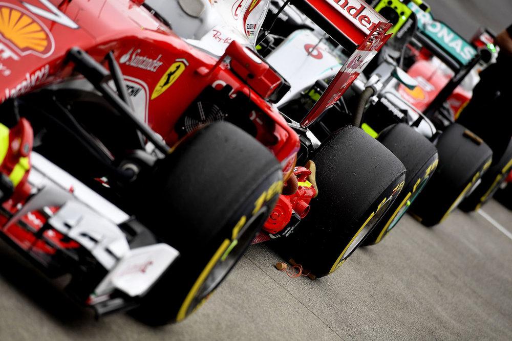 Salracing - F1 cars at Parc Ferme