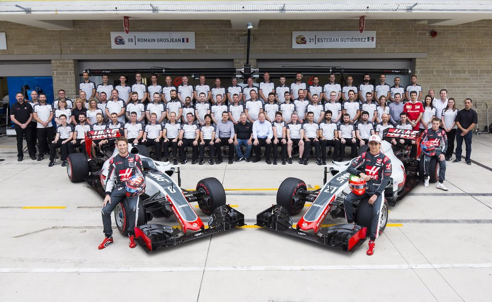 A 2016 Haas F1 Team Family Picture copy.jpg