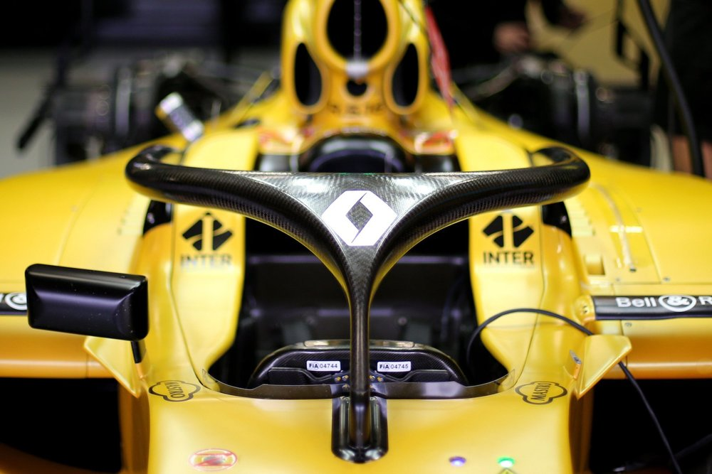 Salracing - Renault RS16 with halo