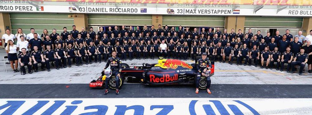 Salracing - Red Bull Racing family photo