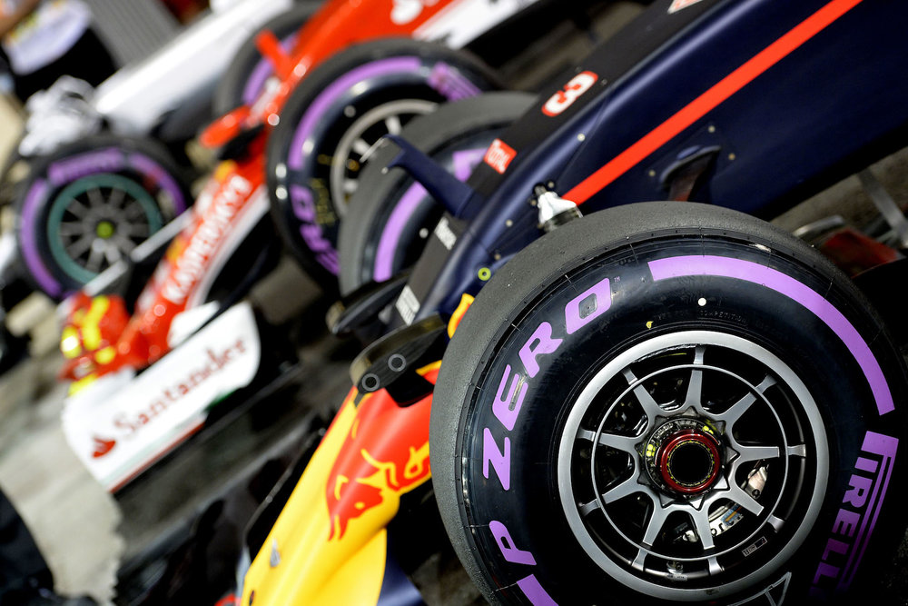 Salracing - Cars after Qualifying at Abu Dhabi