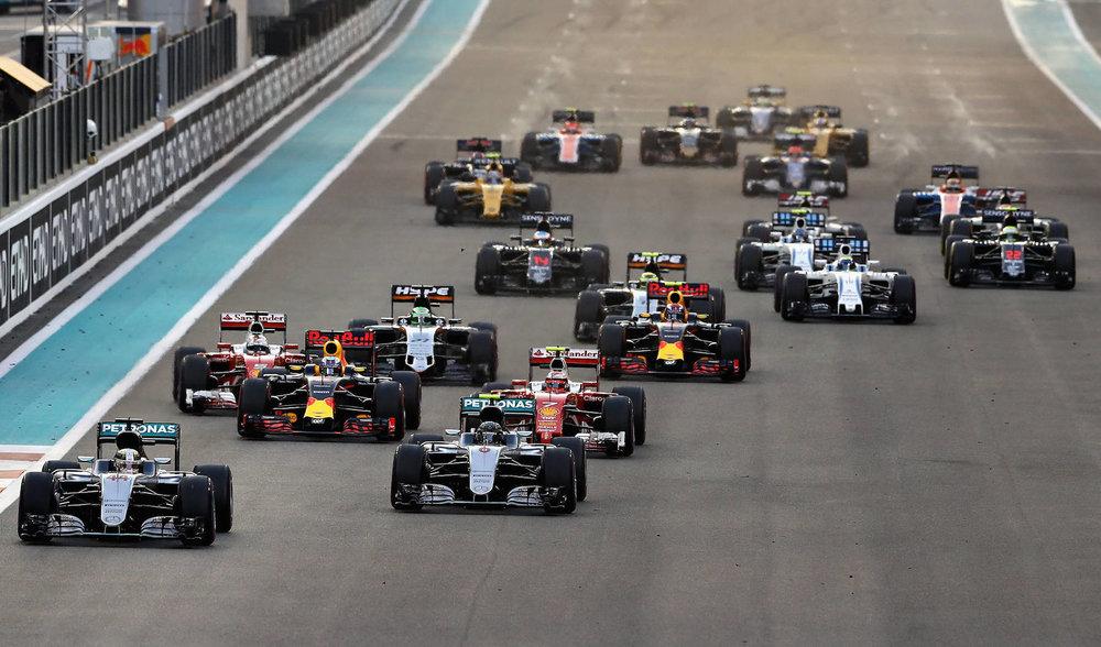 Salracing - 2016 Abu Dhabi Grand Prix start