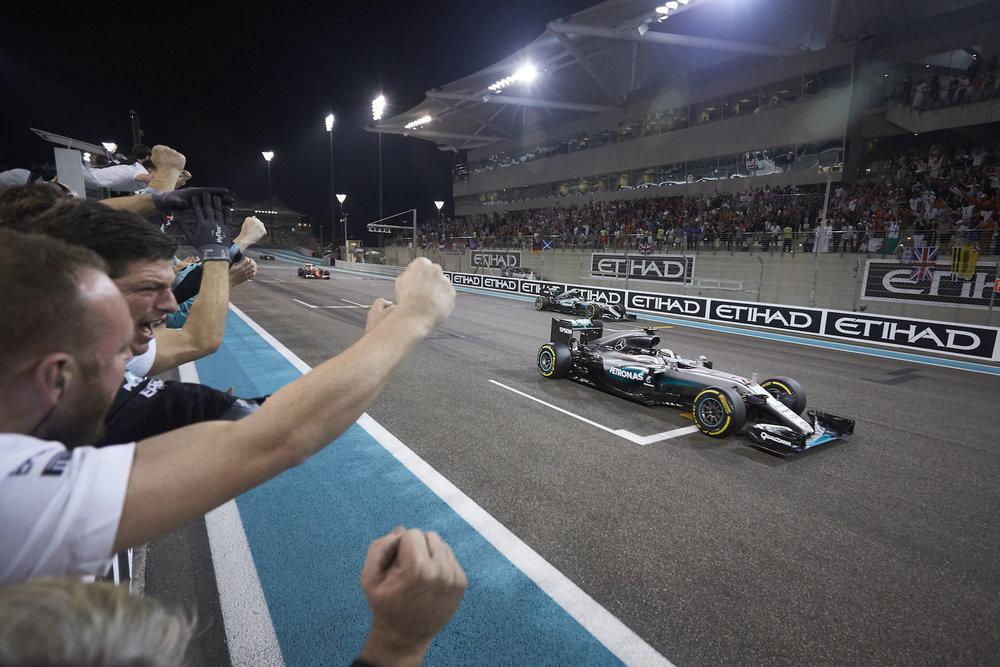 🇦🇪 Abu Dhabi Grand Prix winner: 🇬🇧 Lewis Hamilton