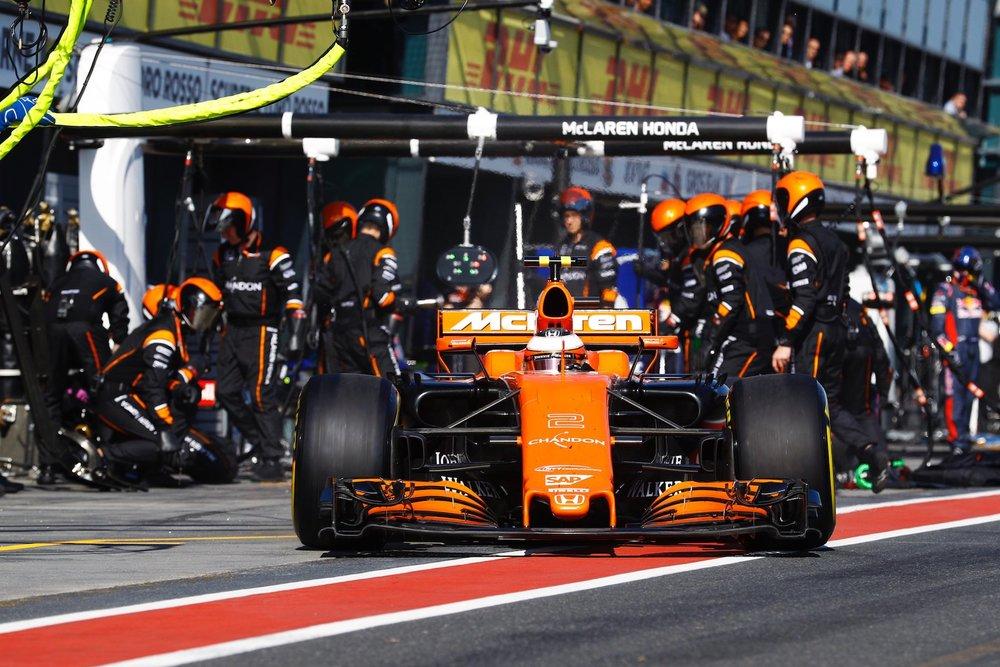 2017 Stoffel Vandoorne | McLaren MCL32 | 2017 Chinese GP FP3 1 copy.jpg