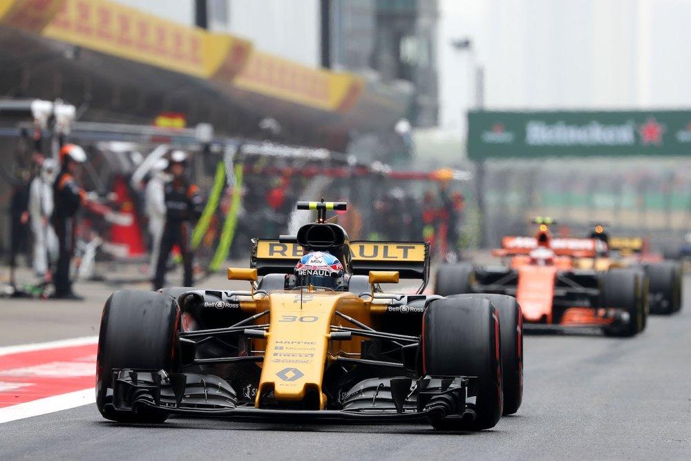 F 2017 Jolyon Palmer | Renault RS17 | 2017 Chinese GP P13 1 copy.jpg