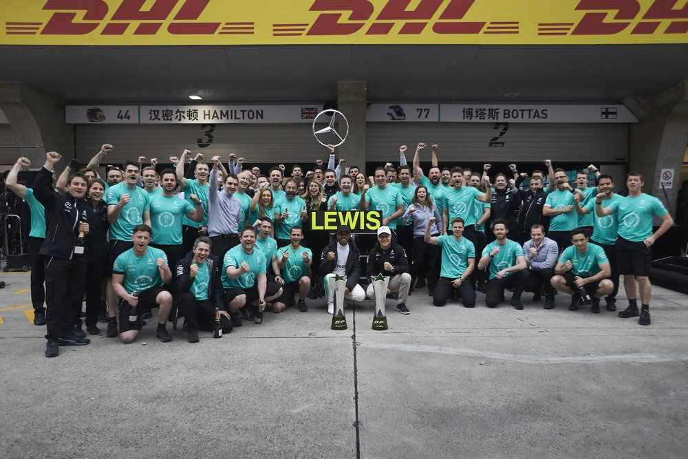 Z 2017 Mercedes Team celebrates HAM win at china 1 copy.JPG