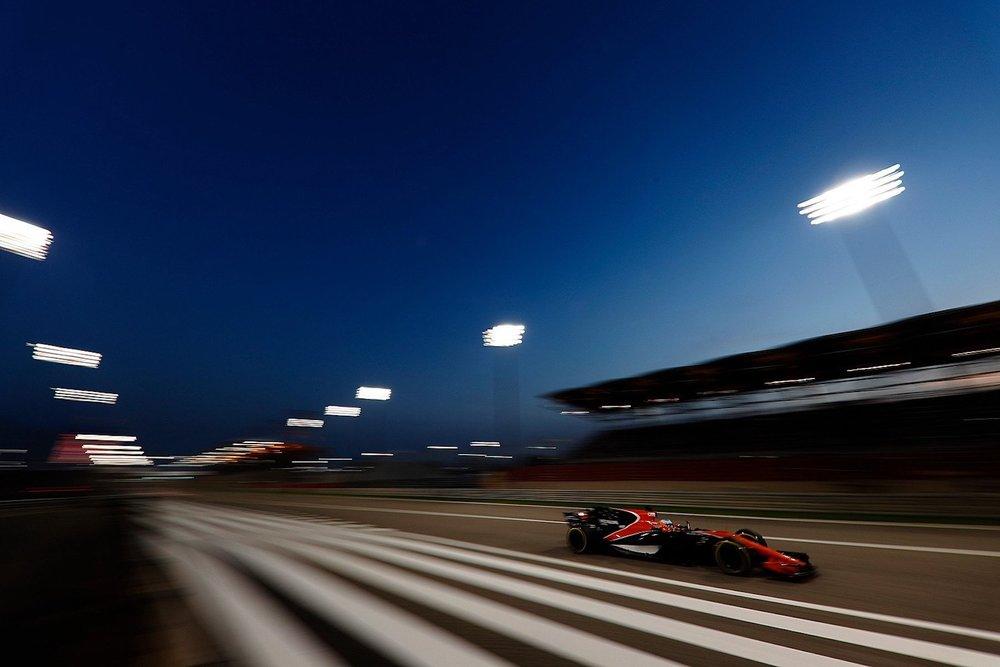 2017 Fernando Alonso | McLaren MCL32 | 2017 Bahrain GP FP2 1 copy.jpg