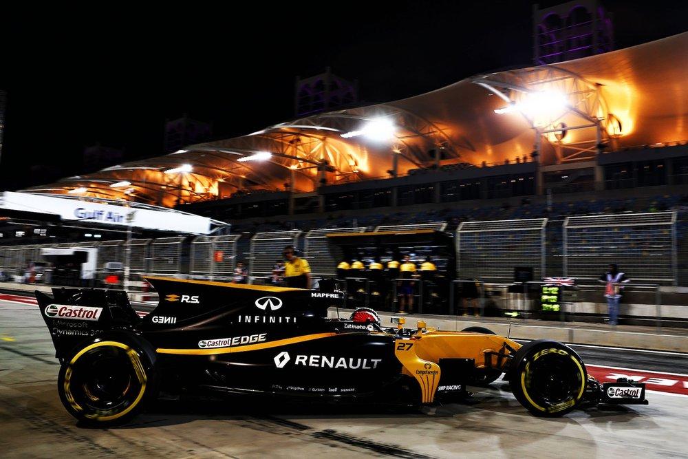 2017 Nico Hulkenberg | Renault RS17 | 2017 Bahrain GP FP2 2 copy.jpg