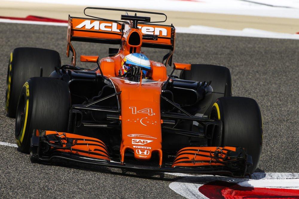 2017 Fernando Alonso | McLaren MCL32 | 2017 Bahrain GP FP3 3 copy.jpg