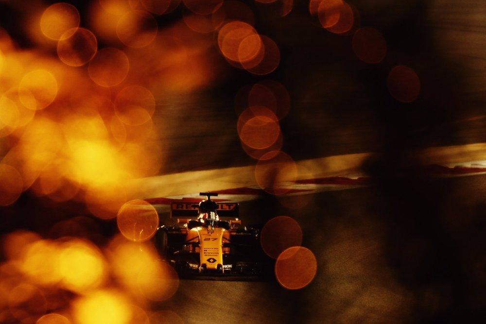 2017 Nico Hulkenberg | Renault RS17 | 2017 Bahrain GP Q3 1 copy.jpg