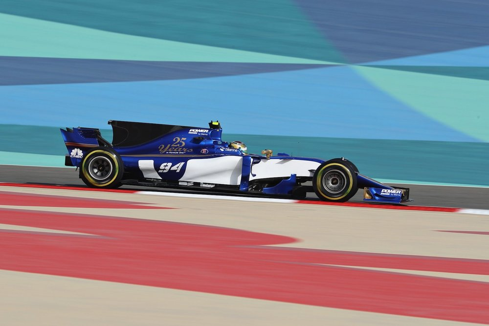2017 Pascal Wehrlein | Sauber C36 | 2017 Bahrain GP FP3 1 copy.jpg
