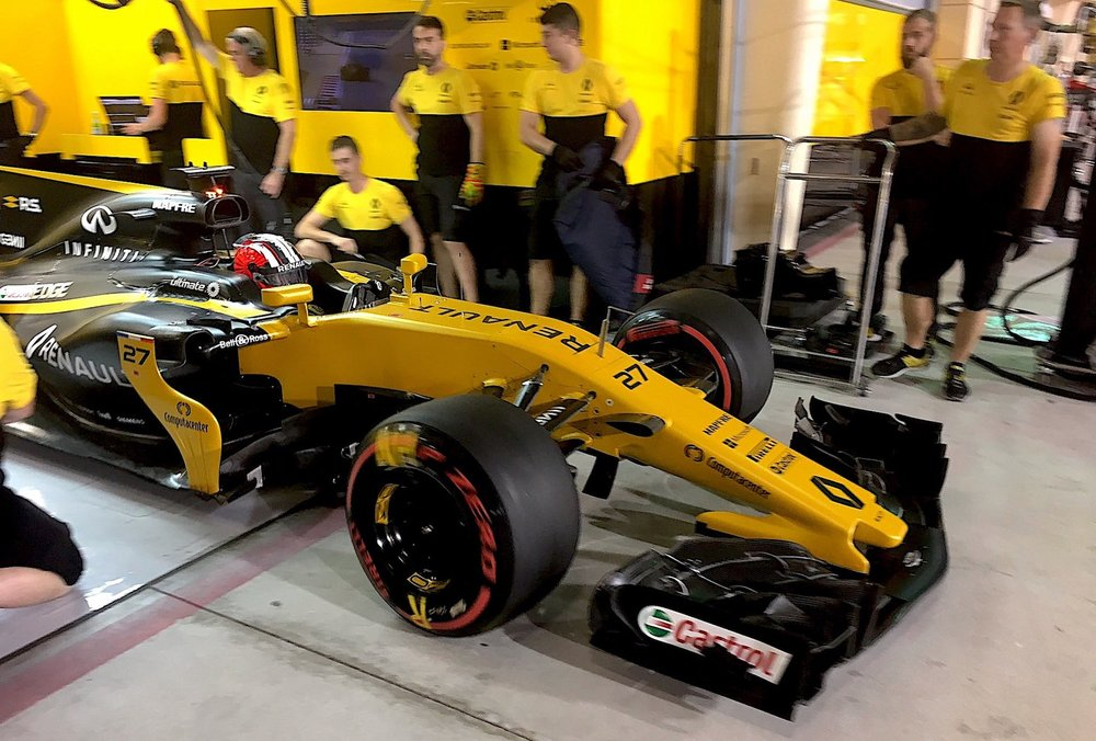 2017 Nico Hulkenberg | Renault RS17 | 2017 Bahrain GP Q3 2 copy.jpeg