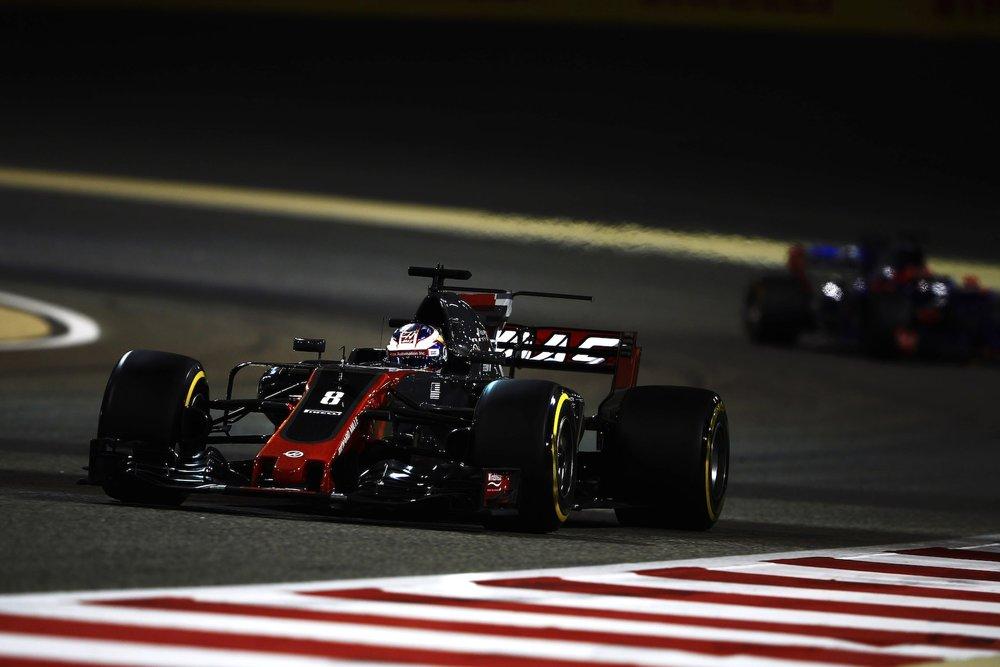 H 2017 Romain Grosjean | Haas VF17 | 2017 Bahrain GP P8 2 copy.jpg