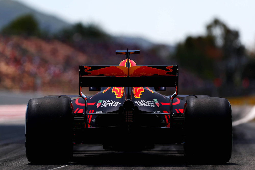 2017 Daniel Ricciardo | Red Bull RB13 | 2017 Spanish GP FP2 3 copy.jpg