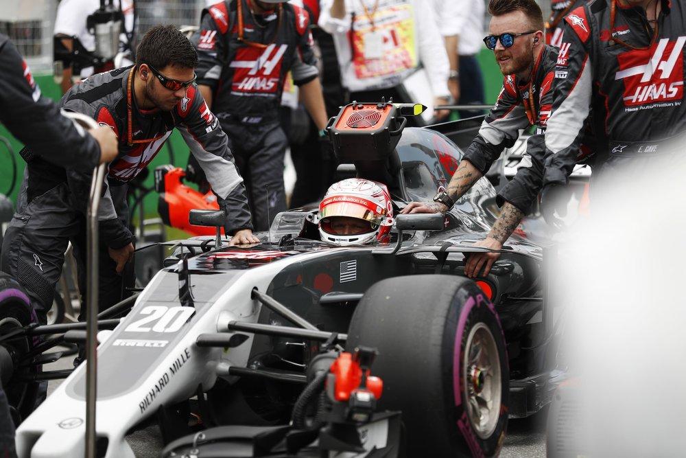 B 2017 Kevin Magnussen | Haas VF17 | 2017 Canadian GP 1 copy.jpg