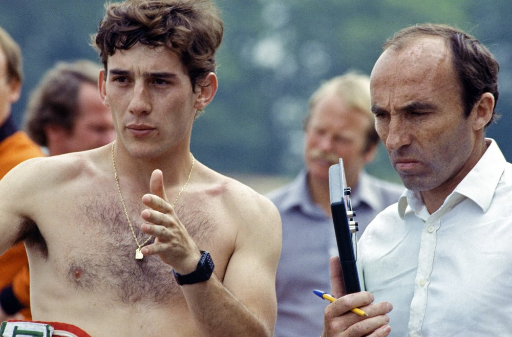 1983 Frank Williams an Ayrton Senna.jpg
